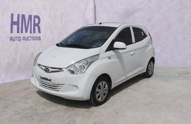 Selling White Hyundai Eon 2018 at 14383 km