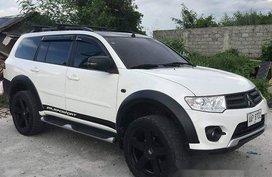Selling White Mitsubishi Montero Sport 2014 at 31000 km
