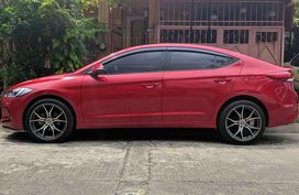 Selling Red Hyundai Elantra 2016 at 27000 km