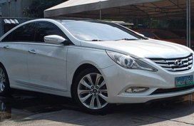2011 TOP OF THE LINE Hyundai Sonata 46000 km only for sale in Makati