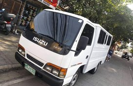 FB TRUCK ISUZU GIGA LOCAL 10FT. 4JB1 DIESEL ENGINE MANUAL TRANS. DUAL AIRCON SINGLE TIRE 2001 MDL for sale in Quezon City