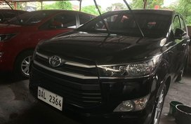 Selling Black Toyota Innova 2019 in Quezon City