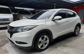 White Honda HRV 2015 Automatic for sale in Las Pinas