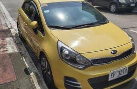 Selling Yellow Kia Rio 2016 at 18600 in Manila