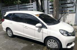 Selling White Honda Mobilio 2016 at 47000 km