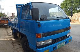 Selling 2nd Hand Isuzu Elf 2000 Truck in Quezon City