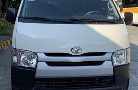 Selling Used Toyota Hiace 2015 Manual Diesel in Makati