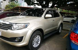 Selling Beige Toyota Fortuner 2013 at 73000 km