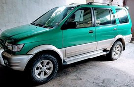 Green Isuzu Crosswind 2004 at 100000 km for sale