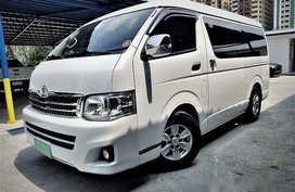Sell White 2013 Toyota Hiace Automatic Diesel at 66000 km