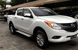 Selling White Mazda Bt-50 2016 in Cainta