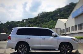Selling Used Lexus Lx 2013 in Subic
