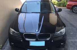 Black Bmw 320I 2009 at 37000 km for sale