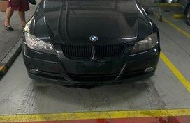 Selling Black Bmw 320I 2008 at 85000 km