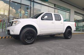 Selling White Nissan Frontier navara 2010 Manual Diesel at 65000 km