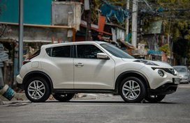 White Nissan Juke 2017 at 28000 km for sale
