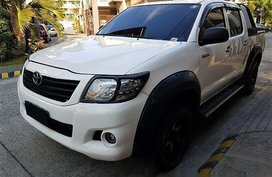 Selling Toyota Hilux 2011 Manual Diesel