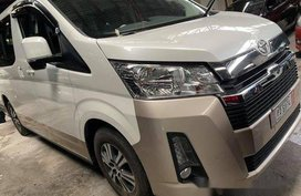 Selling White Toyota Hiace 2019 at 1200 km