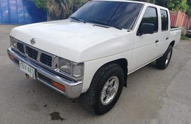 Selling White Nissan Frontier 1995 in Talisay