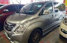 Selling Silver Hyundai Grand starex 2015