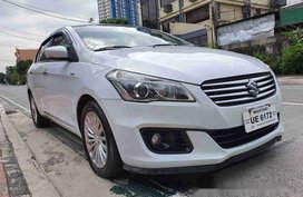 Selling White Suzuki Ciaz 2017 at 14000 km