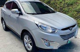 Silver Hyundai Tucson 2011 Automatic Gasoline for sale