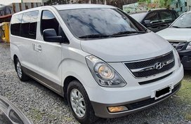 White Hyundai Grand Starex 2014 for sale