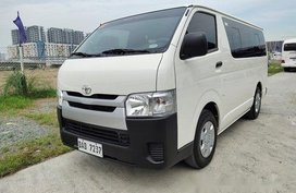 White Toyota Hiace 2017 Manual Diesel for sale