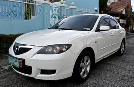 White Mazda 3 2009 Automatic Transmission for sale