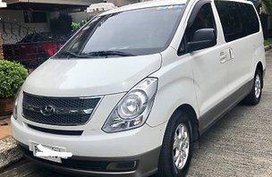 White Hyundai Grand starex 2011 at 87000 km for sale