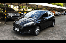 Selling Ford Fiesta 2017 Hatchback Automatic Gasoline at 25878 km