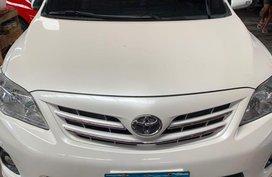 White Toyota Corolla Altis 2013 for sale in Quezon City