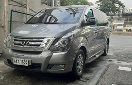 Selling Hyundai Starex 2014 in Quezon City