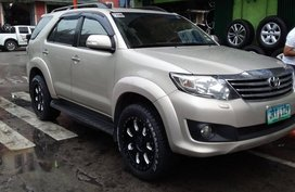 2012 Toyota Fortuner G Diesel M/T (1st own, CASA maintain)