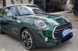 Selling Green Mini Cooper S 2019 in Taguig