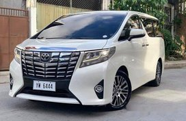 White Toyota Alphard 2016 at 40000km for sale