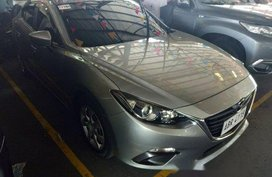 Selling Silver Mazda 3 2015 in Quezon City