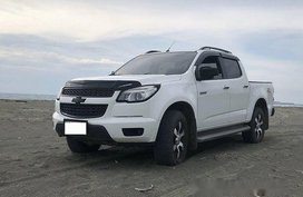 White Chevrolet Colorado 2015 at 40000 km for sale