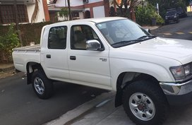 2000 Toyota Hilux Pick up 2.8D M/T 4x4