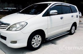 Selling White Toyota Innova 2012 Automatic Diesel at 64000 km