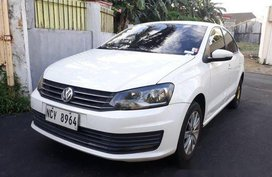 Sell White 2016 Volkswagen Polo Automatic Gasoline at 75000 km