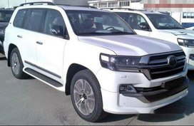 Selling White Toyota Land Cruiser Prado 2019 Automatic Diesel