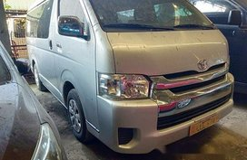 White Toyota Hiace 2018 at 43000 km for sale