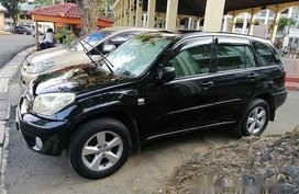Black Toyota Rav4 2004 at 154000 km for sale