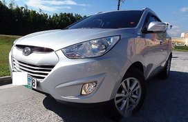 Selling Silver Hyundai Tucson 2012 in Quezon City