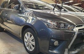 Grey Toyota Yaris 2016 at 14000 km for sale