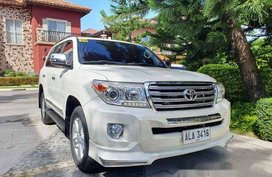 White Toyota Land Cruiser 2015 Automatic Diesel for sale