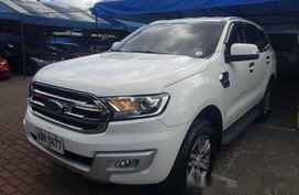 Sell White 2016 Ford Everest Automatic Diesel at 38206 km