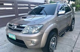 Selling Silver Toyota Fortuner 2007 at 85000 km
