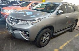 Selling Silver Toyota Fortuner 2017 Automatic Diesel